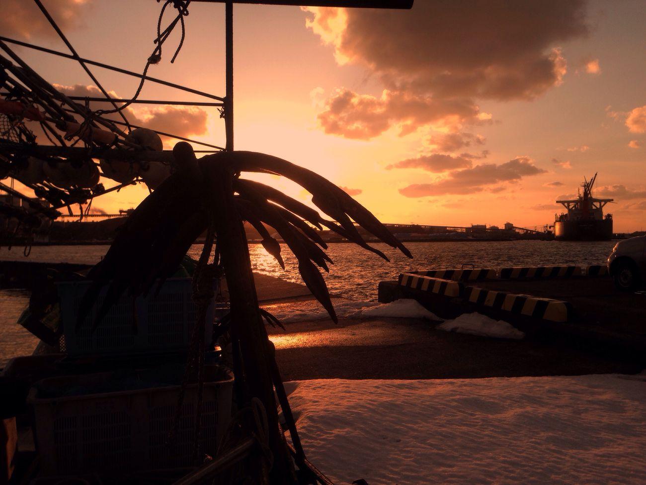 IPhone IPhoneography Mobilephotography Sanset Horizon Over Water Light And Shadow Sanset Collection EyeEm Nature Lover EvningGlow Sunset Sky Beauty In Nature Sunbeam Evning Sky Sunlight And Shadow Akita