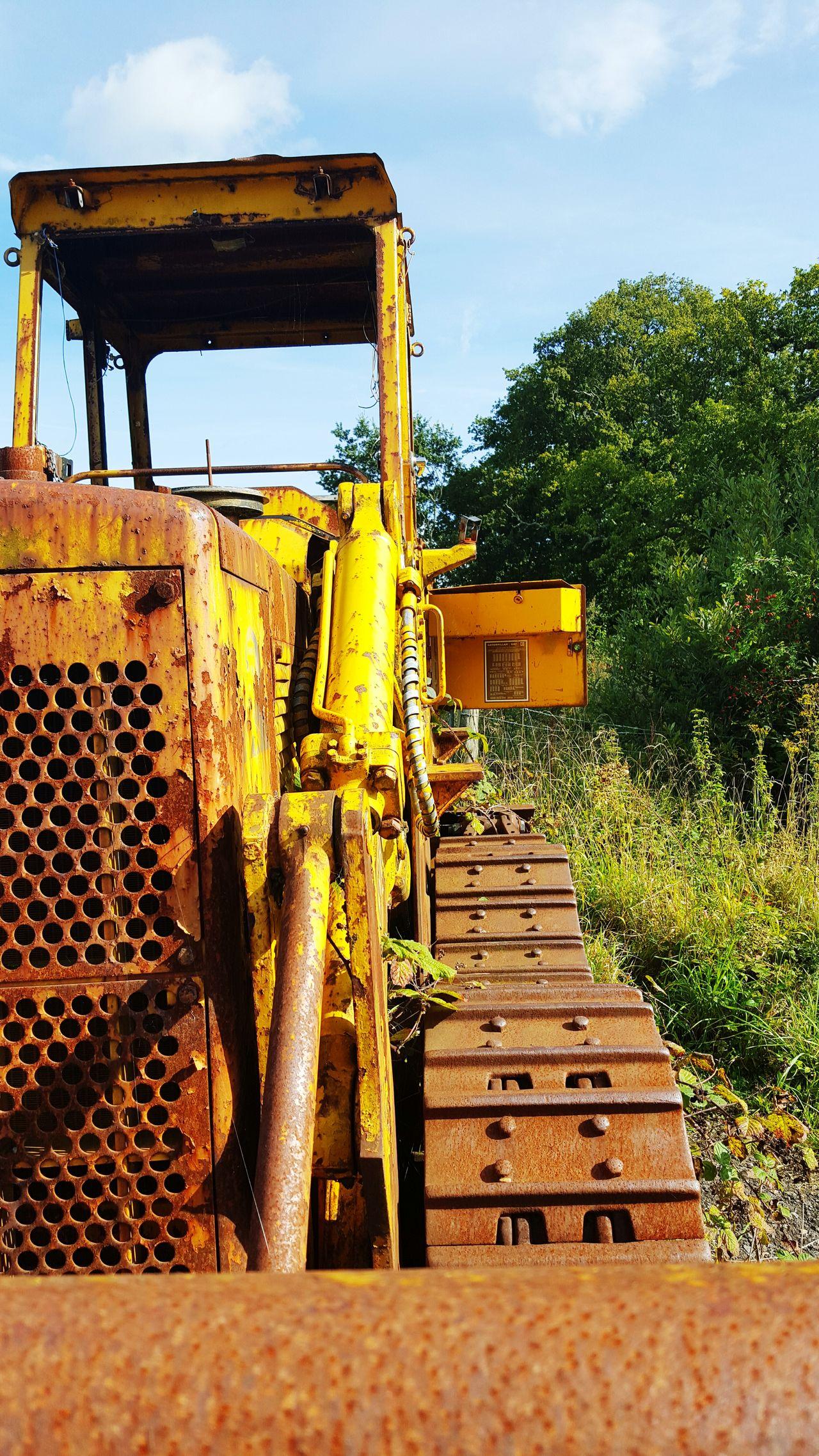 Abandoned Tractors Yellow Broken Tractors Rusty Things Old Tractors Vintage Tractors