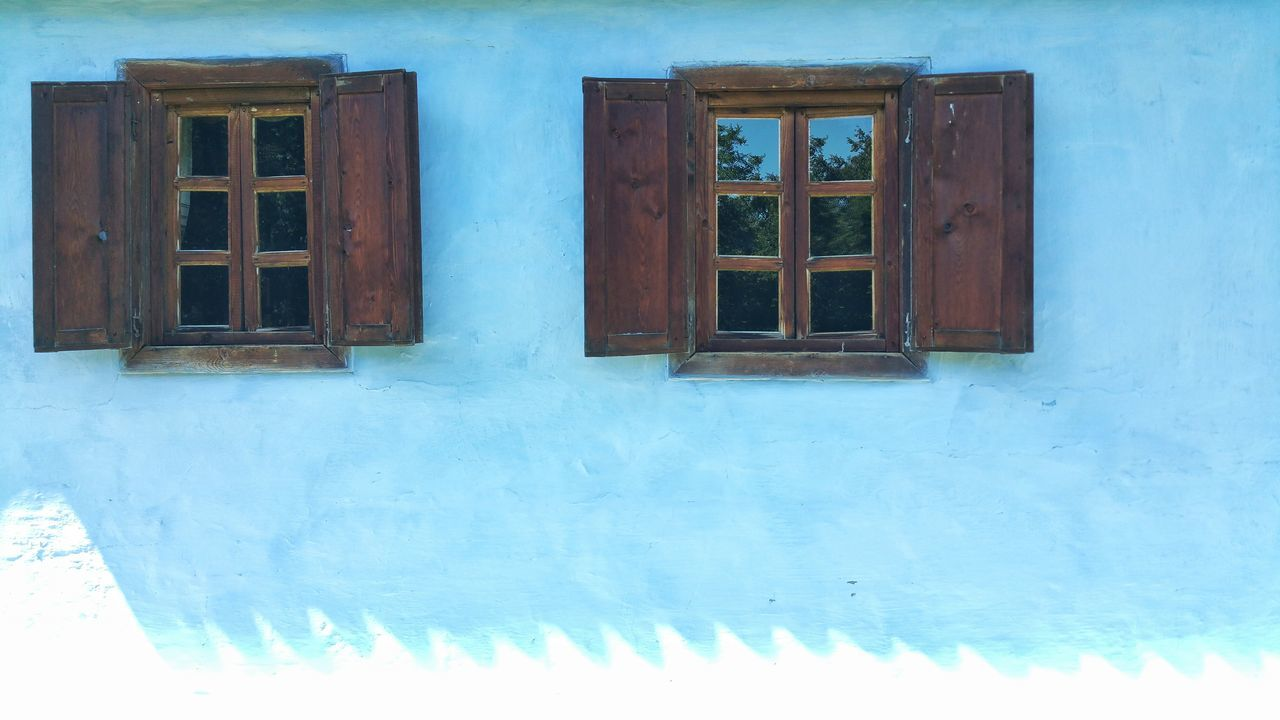 window, door, architecture, built structure, day, building exterior, no people, outdoors, blue