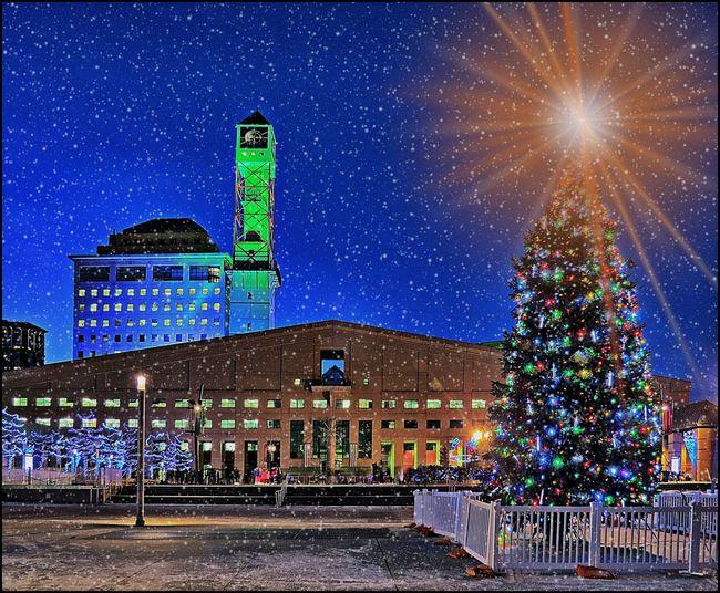 Best Christmas Lights Mississauga (Ontario) City Hall