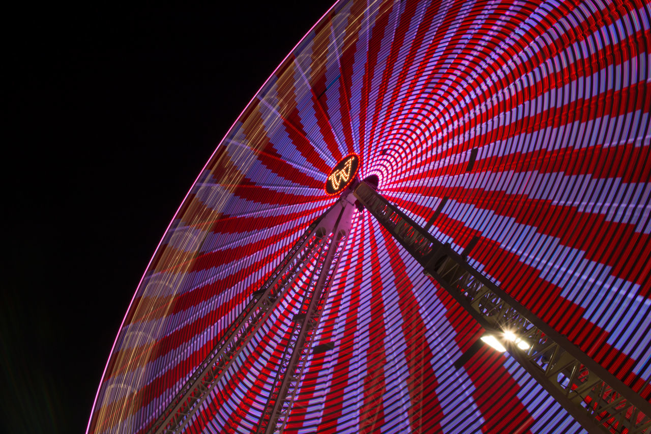 Illuminated Lichter Low Angle View Night No People Outdoors Riesenrad Rummel Farbe Im Dunkel Nacht Color Night Lights Lights Hannover Fahrgeschäft Frühlingsfest