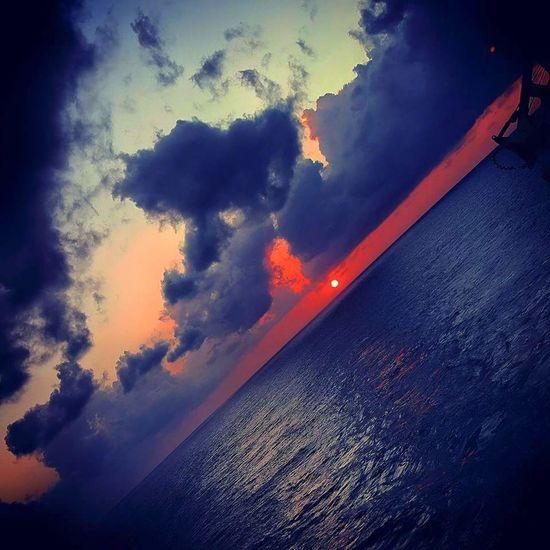 Oilrig sunset Offshore Offshore Platform Oilrig Oilrigs Sunset Besomebody Ocean Ocean❤ Amazing Redskysunset