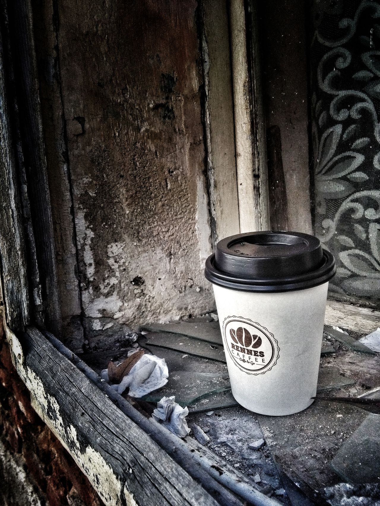Coffee Time Old Window Dust Rennes Coffee To Go