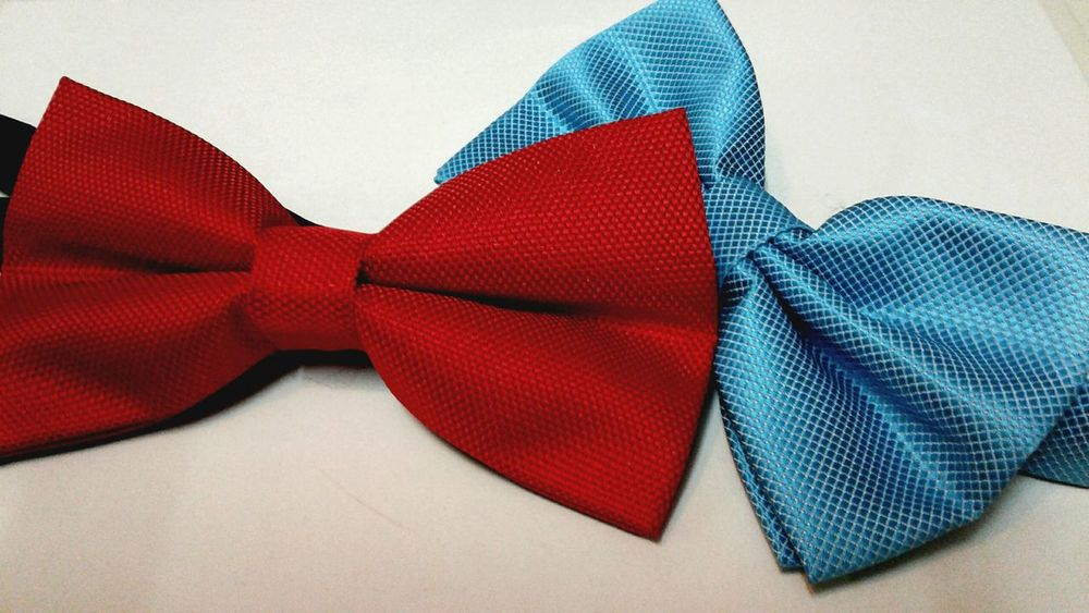 Red Textile Blue EyeEmNewHere EyeEm Gallery Bow Tie Loose Satisfying Satin Look Elégance Freshness Brand Be. Ready.