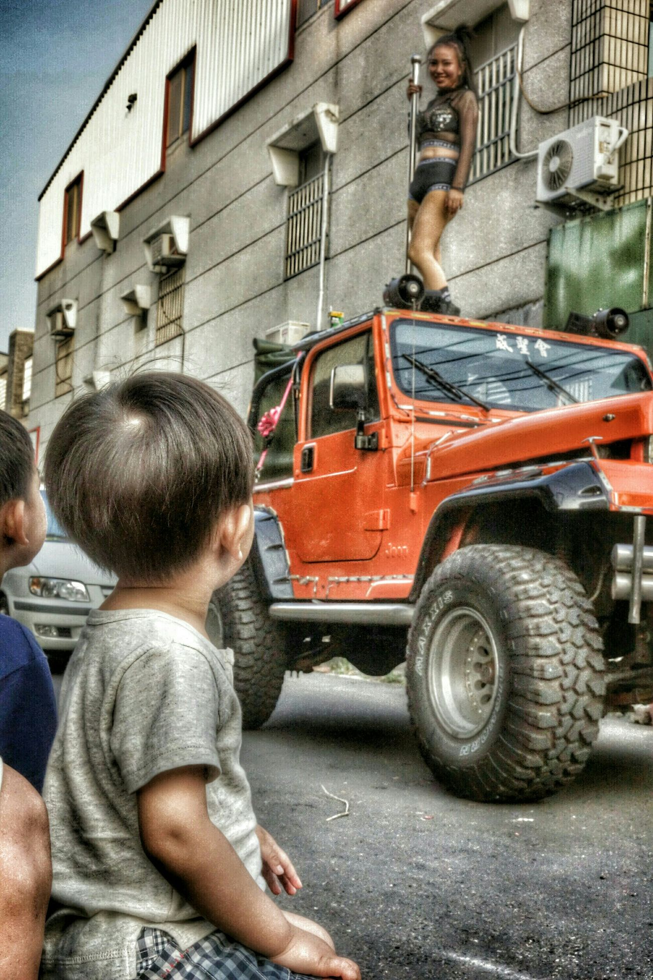 拿椅頭看陣頭-6 The View And The Spirit Of Taiwan 台灣景 台灣情 Streetphotography What I Saw People Portrait