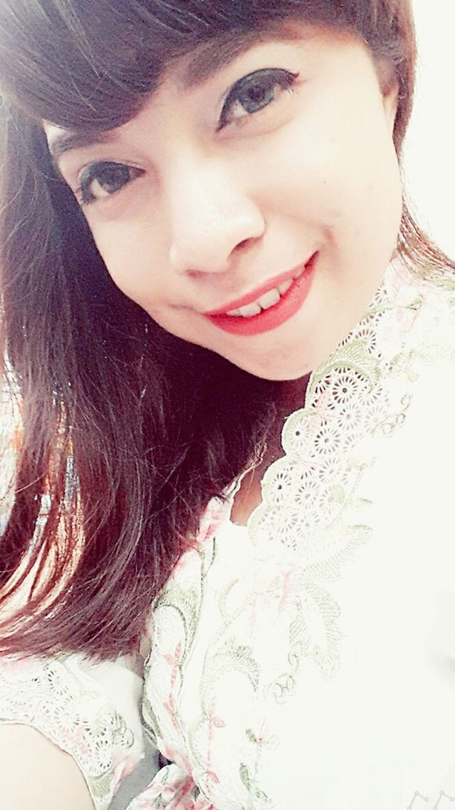 Indonesia woman with modern kebaya INDONESIA Indonesia_photography Kebaya Indonesia Kebayamodern Big Eyes Strongwoman Loveofphotography Independentwoman Likes