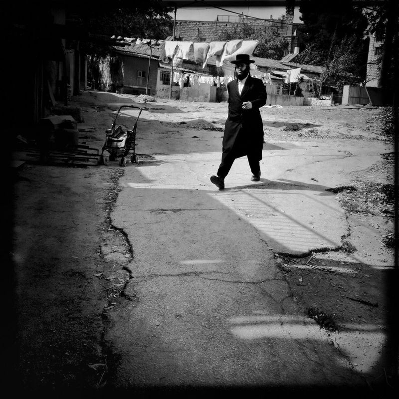 """From the """"100 Gates"""" session. sShootermag Finding The Next Vivian Maier Youmobile Black And White"""