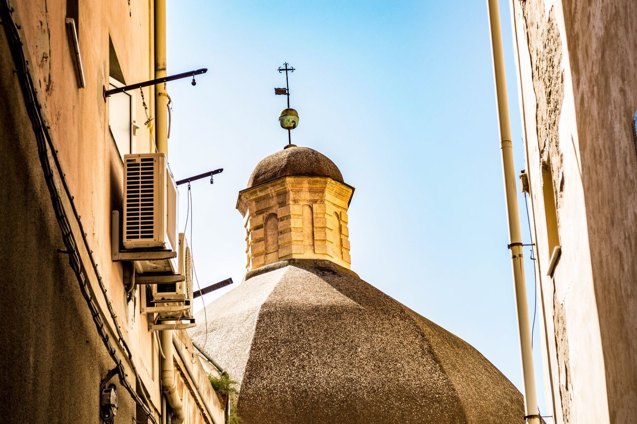 Built Structure Building Exterior Architecture No People Sky Day Outdoors Dome Church Tower Church Architecture Churches Cagliari Sardinia Low Angle View Italy EyeEm EyeEm Gallery EyeEm Best Shots Cagliari Urban City History Cultures Clear Sky Tourism Eye4photography  Travel Destinations