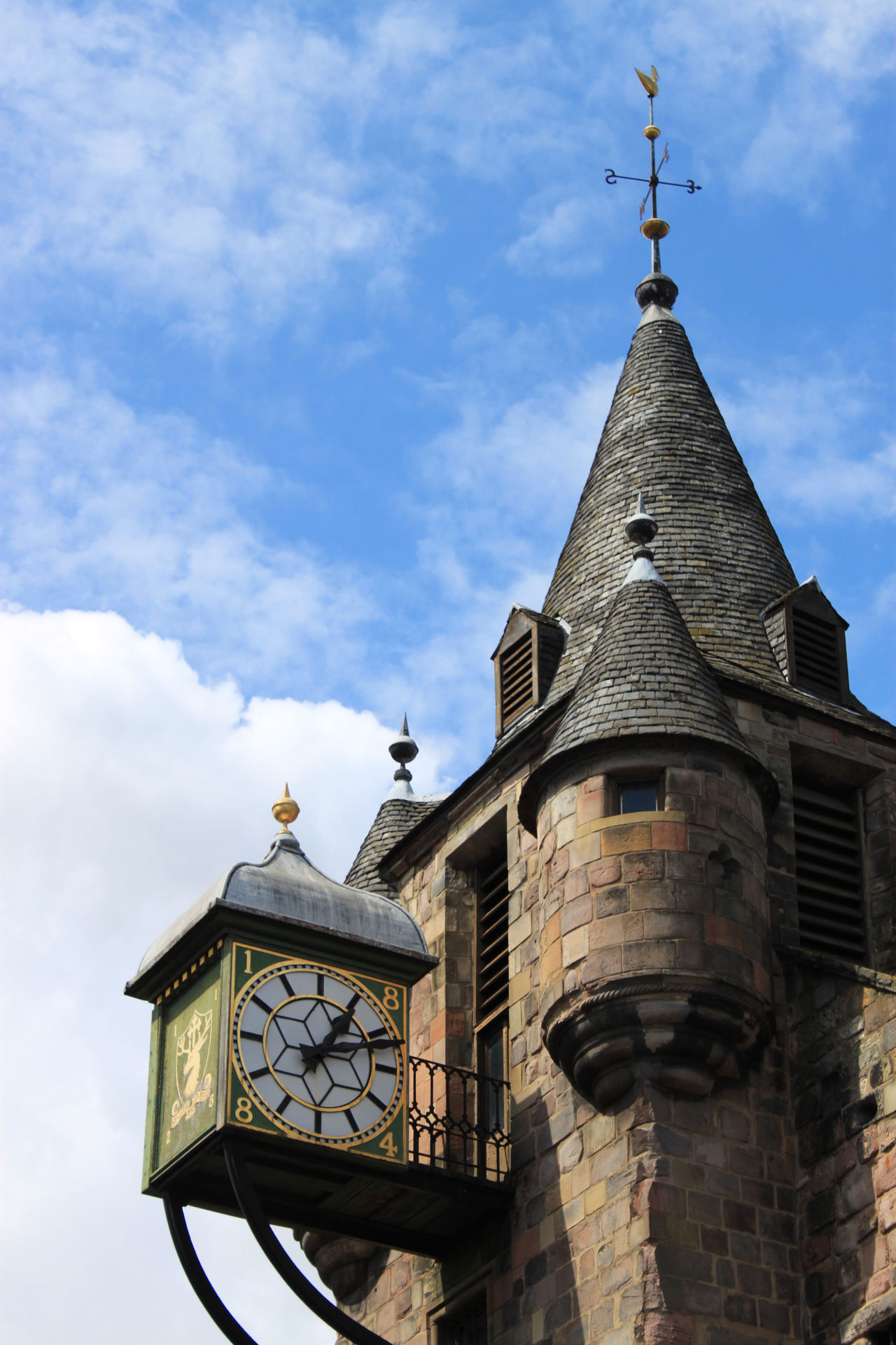 view on a clock tower in Edingburgh Architecture Carpe Diem Clock Clock Tower Cloud Cloud - Sky Edinburgh Geschichte Historic Historisch History Low Angle View Medieval Mittelalter Sky Time Tower Turm Turmuhr Uhr Zeit