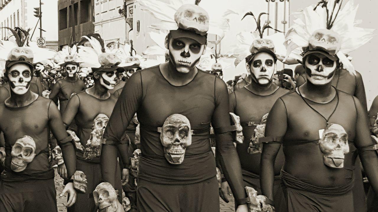 Mask - Disguise Cultures Arts Culture And Entertainment Men People Close-up Headshot Scary Face Zócalo Desfile Parade Festival Cdmx Diadelosmuertos Diademuertos Portrait Day Human Eye Performance Skulls 💀 Skullmakeup Makeup Art