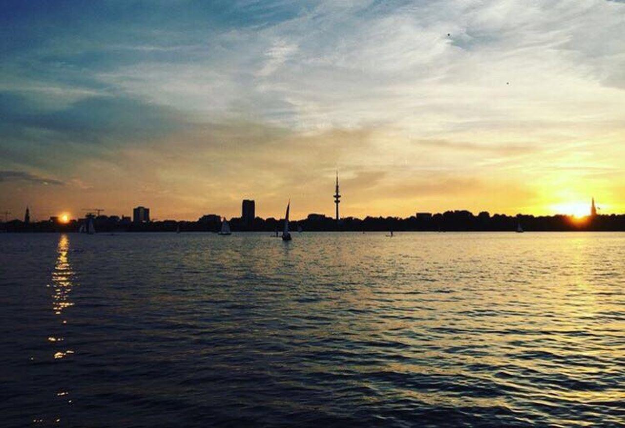 Sunset Water Silhouette Sunlight City Dramatic Sky Sun Hamburg Alster Dayandnight First Eyeem Photo