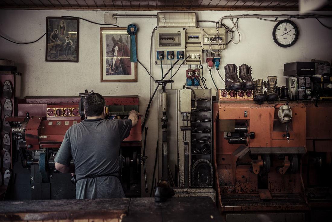 Handmade Shoesmaker Shoesmakermachine Work Workers Clobber Artisan