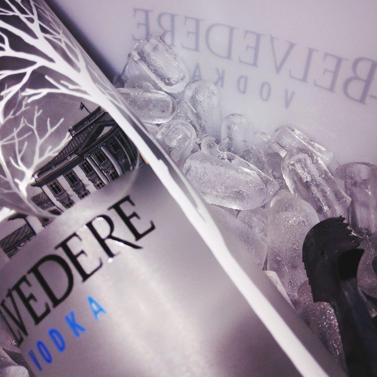 Belvedere Vodka Nightouts 😘👌 Girlsnightout! :) Girls Celebrating Birthday Girl Vodka🍹 Having A Good Time Looking Great Drinking Vodka Belvedere Pure Vodka Magnum