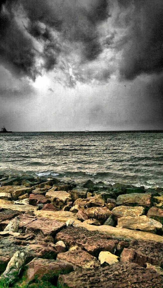 Blackandwhite Hello World Hi! Relaxing Sea FatsaSahil Karadeniz Raining