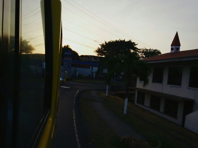 Good morning everyone! Taking Photos Hello World Nothing To Do Wasting Time Taking Photos People Watching Streetphotography Going To School