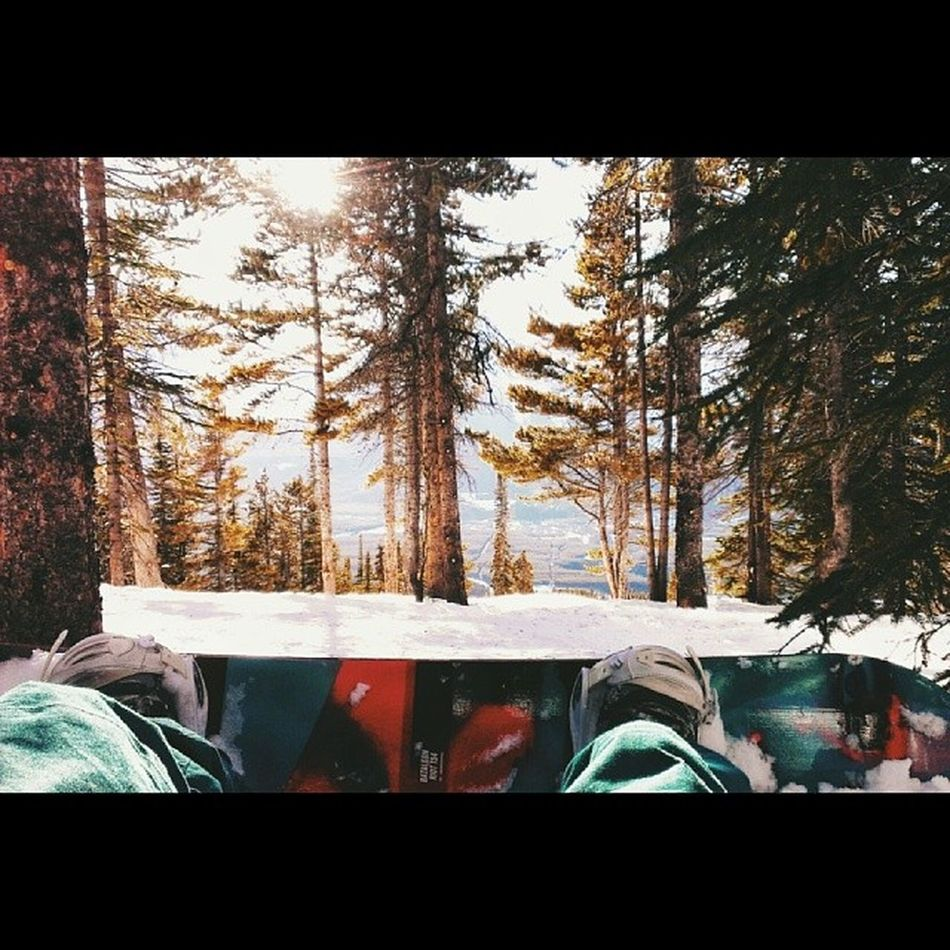 Nature is just so damn photogenic. Snowboardsunday Lakelouise Vscocam Bataleon