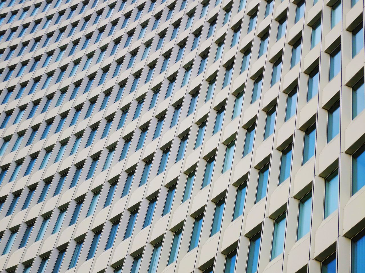 Architectural Feature Architecture Architecture Architecture_collection Backgrounds Building Exterior Built Structure City Full Frame Growth Low Angle View Minimal Minimalism Minimalist Architecture Modern No People Outdoors Pattern Pattern Pieces Pattern, Texture, Shape And Form Repetition Urban Geometry Urban Landscape
