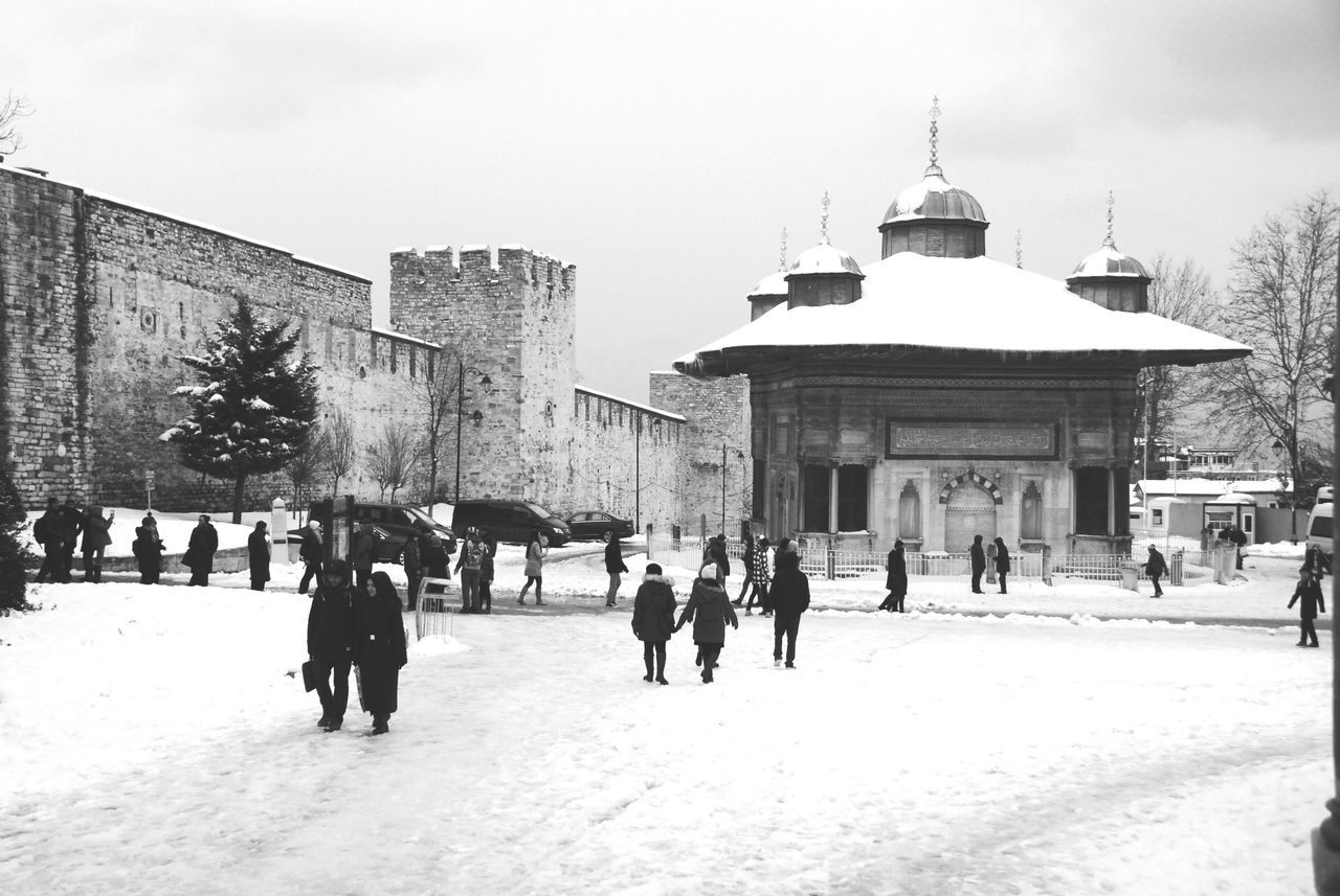 Istanbul City Its Cold Outside Istanbulove Snow Istanbul Snowing Turkey Snow Day Snow ❄ Artphoto Eye4photography  EyeEmBestPics Sultanahmet From My Point Of View Istanbullovers Istanbuldayasam Istanbul Turkey EyeEm Best Shots EyeEm Best Edits Traveling Blackandwhite Black & White Black And White Topkapi Palace Topkapi