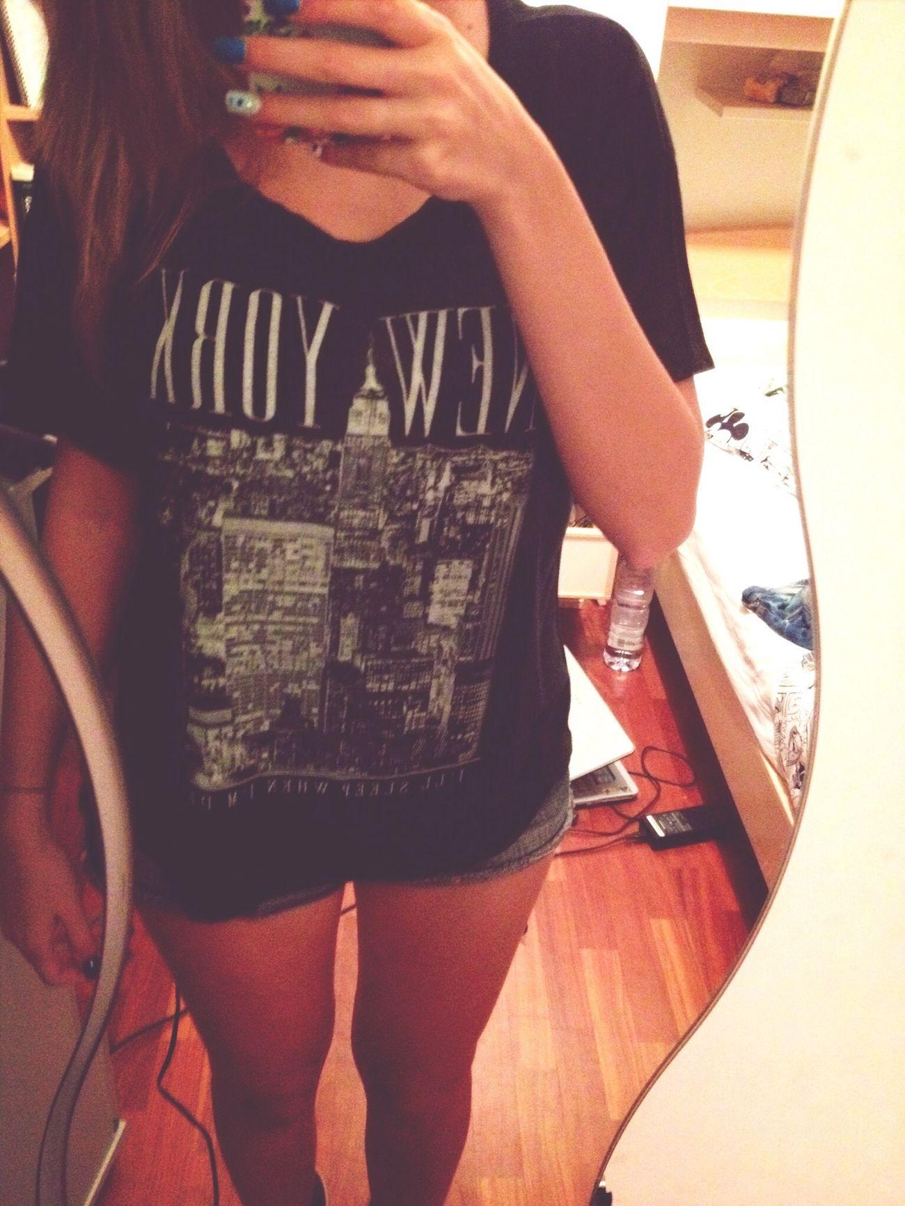 A te ti sento dentro come un pugno. ??? New T-Shirt Brandy Melville New York Bla Bla Bla Bla :*