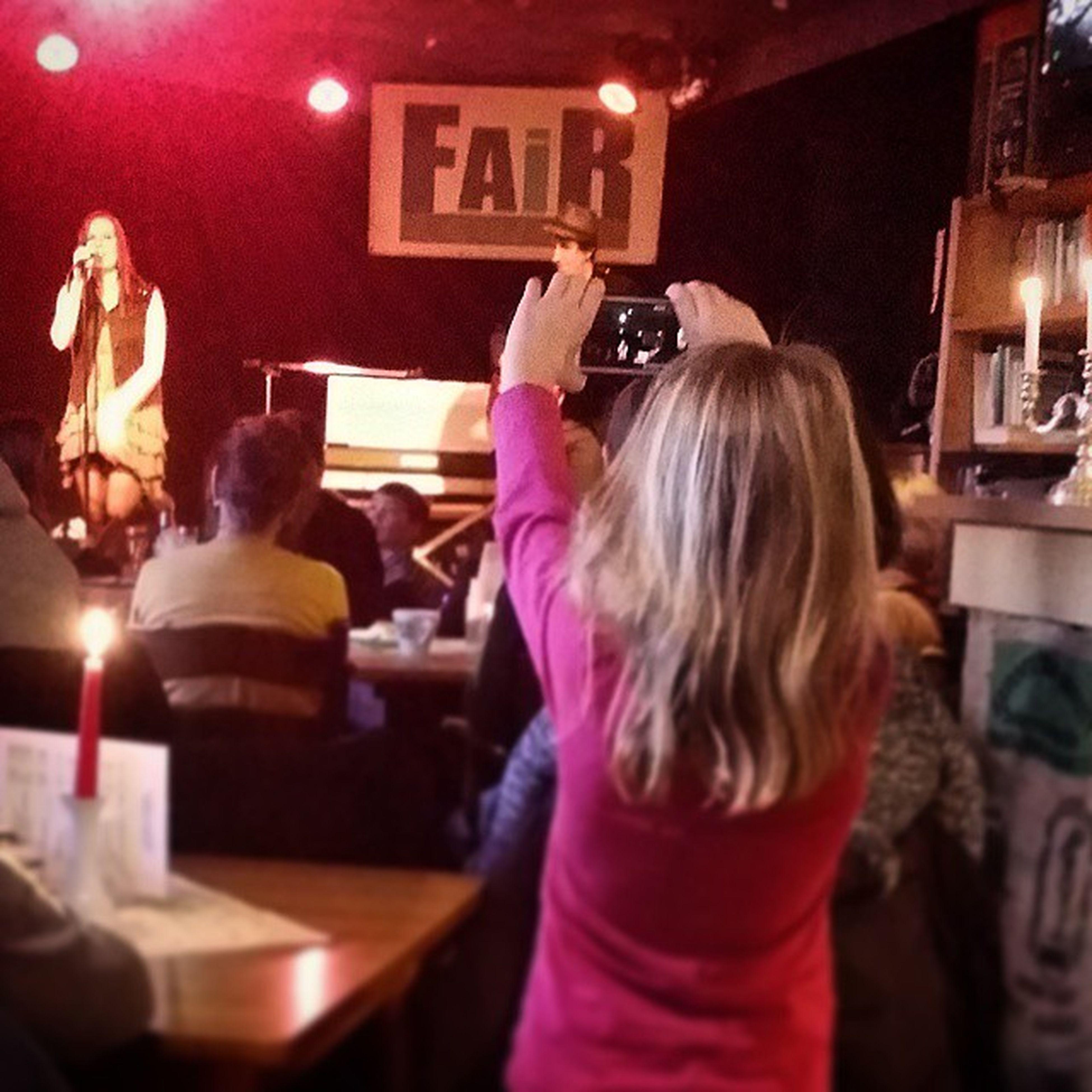 Tolles Musikevent vom @frau.soulshine und Felix im Faircafe Schortens genossen. Danke ;) Anniesoulshine Nakieken Ostfriesland Livemusik Girl