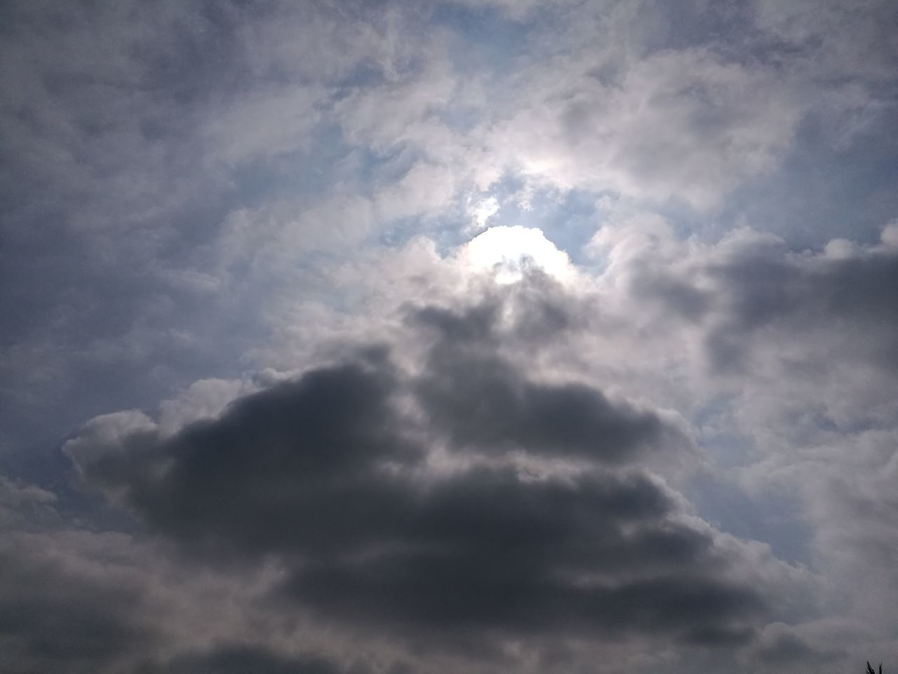 cloud - sky, nature, sky, beauty in nature, low angle view, scenics, sky only, tranquility, no people, outdoors, day, backgrounds