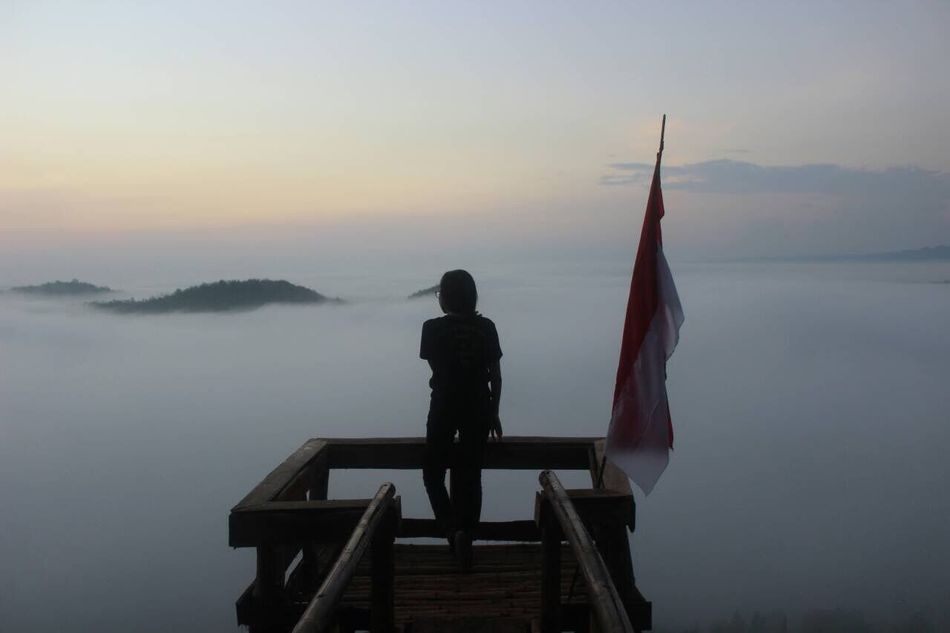 Beautiful stock photos of sonnenaufgang,  Alone,  Atmosphere,  Beauty In Nature,  Calm
