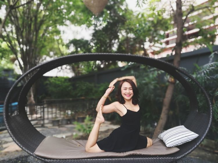 Yoga everywhere ;) Sitting Adults Only Only Women Happiness Adult Day Lifestyles Women Smiling Outdoors People One Person Portrait Young Women Cheerful Young Adult One Woman Only Nature Yoga Yoga Pose Yogagirl Yogaeverydamnday Yogalove Yogaeverywhere Yogalife