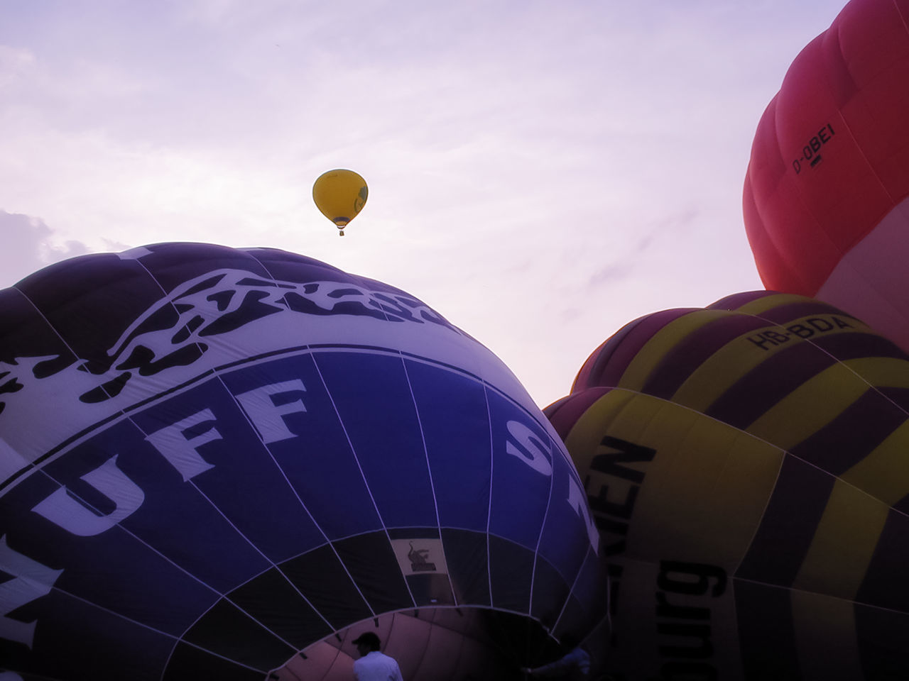 balloon, text, flying, communication, hot air balloon, yellow, celebration, mid-air, helium balloon, multi colored, day, outdoors, sky, no people