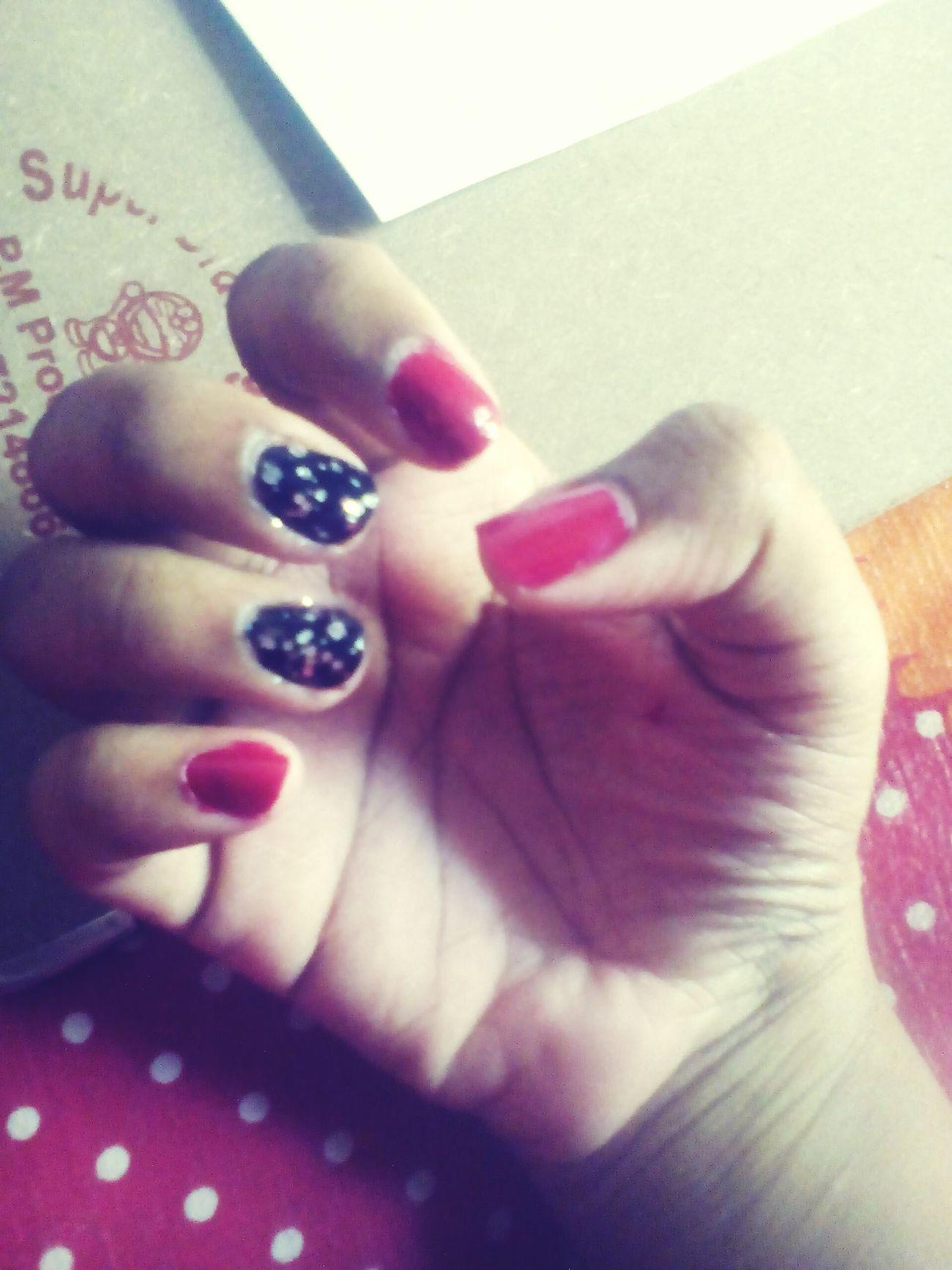 Nailart  Nails <3 Love My Nails ❤ Nailarts Nailpolish💅 Nailpolishaddict Nailpolishswag Red Black Whiteglitter