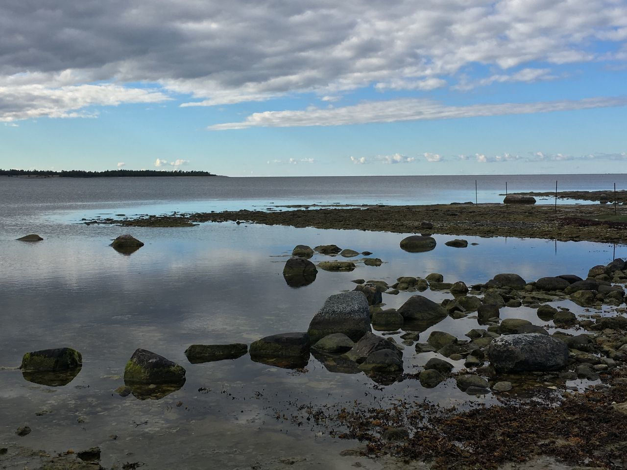Water Sea Tranquil Scene Scenics Tranquility Beach Rock - Object Horizon Over Water Beauty In Nature Sky Purist No Edit No Filter My Photos My Point Of View Baltic Sea Östersjön Sweden My Photography EyeEmBestPics Idyllic Nature Tourism Cloud - Sky Reflection Calm Ocean