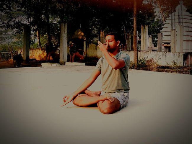 EyeEm Selects Yoga Yoga ॐ Yoga Practice Yoga Pose Yoga Class Yogaeverywhere Yogalife Yogateacher Yoga Life Yoga Position Hindu Culture Hindu Practice Ancient Hindu Practice Fitness Gymnastics❤ Gym Time Be. Ready. Be. Ready. EyeEmNewHere AI Now EyeEm Ready