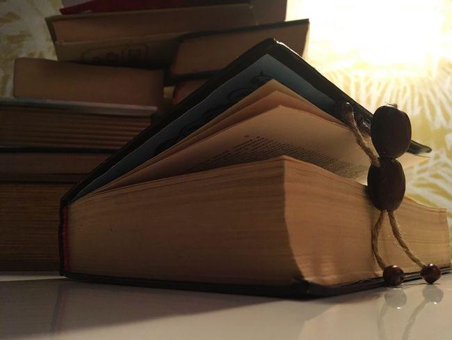 Books Knowledge Mind  Human Lifestyle A little man...