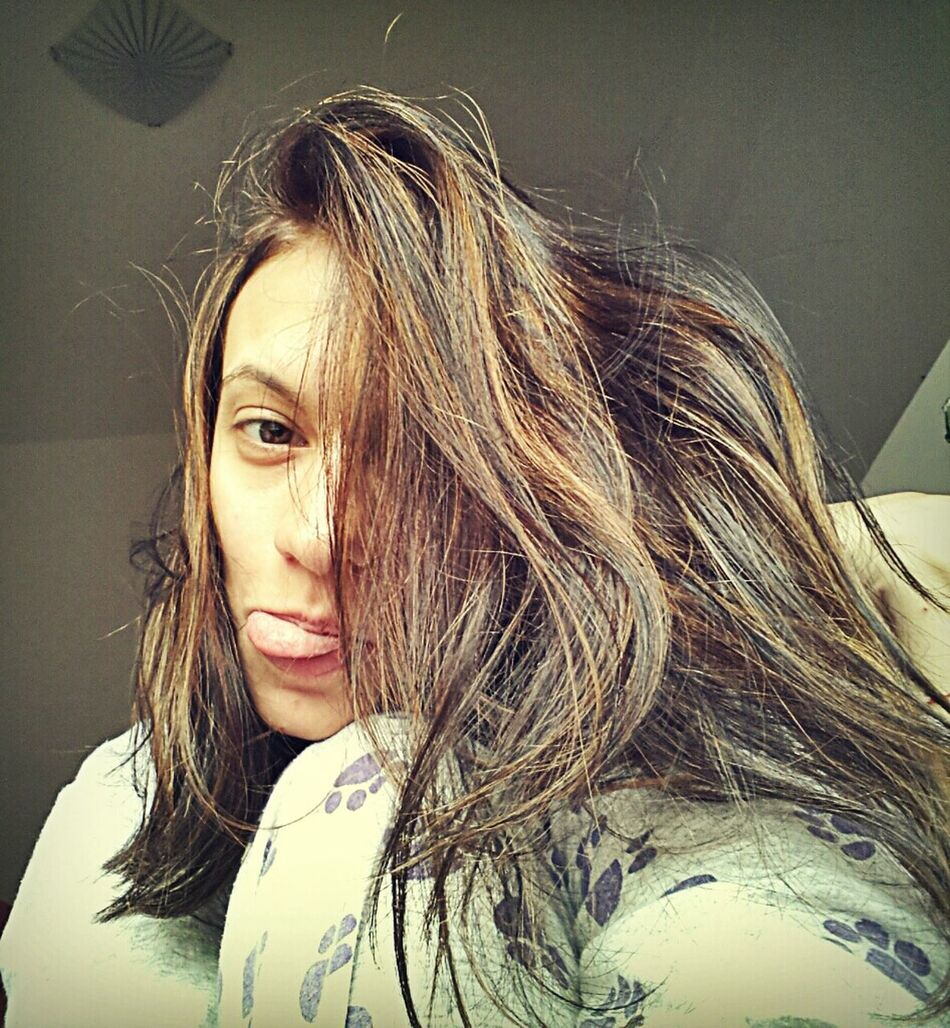 Morning Tounge Selfie Haircolor