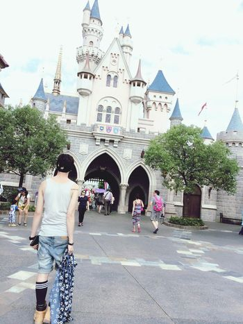 Walt Disney World Tod Ay's Hot Look Dreaming