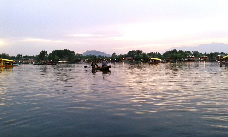 A beautiful lake in the heart of kashmir.. Dallake Dallakebeauty Kashmirdiaries Kashmirphotographers Kashmir Is Heaven First Eyeem Photo Long Goodbye EyeEmNewHere