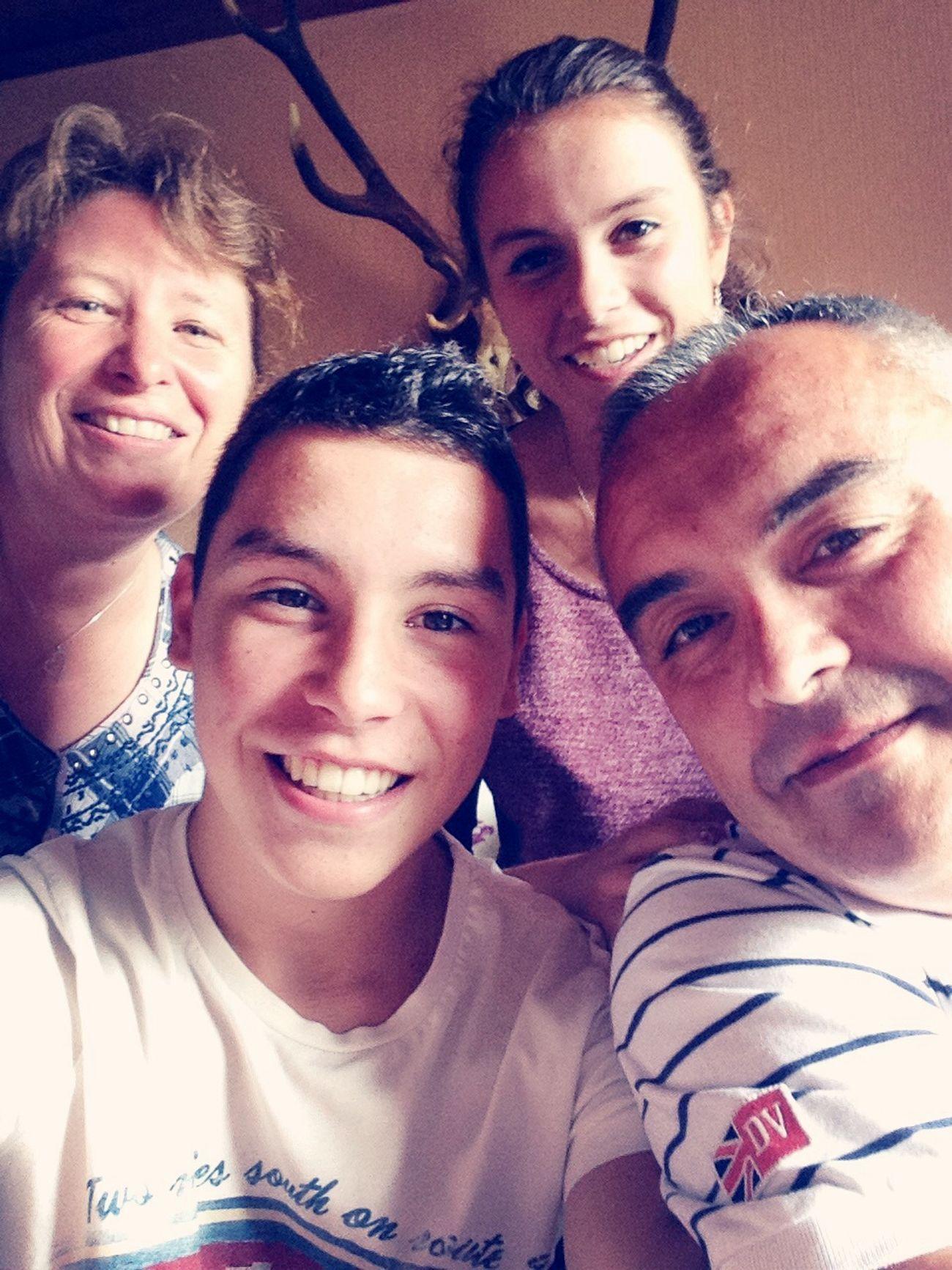 La petite famille ;) Anniversaire Au Repas De Famille First Eyeem Photo