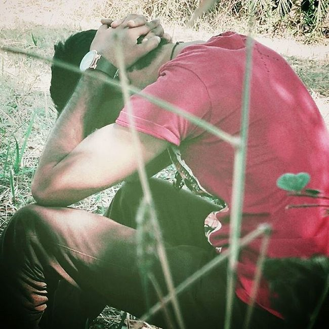 """When you sit alone... you sit more with your past""""...!!! Sadquotos Sad SMS Alone Feeling Sadpose Mrrob Robinraj Mrcool"""