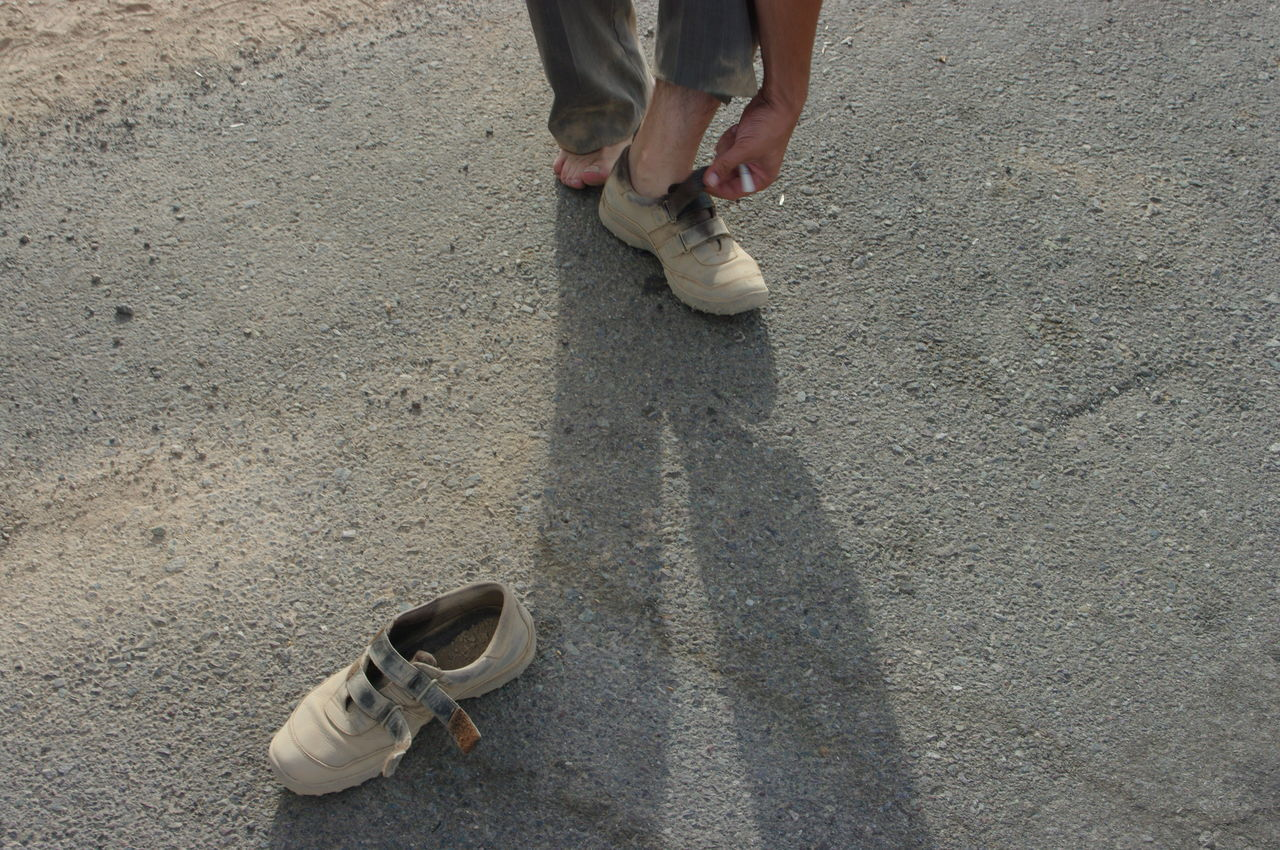 Shoes Coseptual Dirt Changing Shoes Shadows Walker Dimensions On The Go  The Week On Eyem