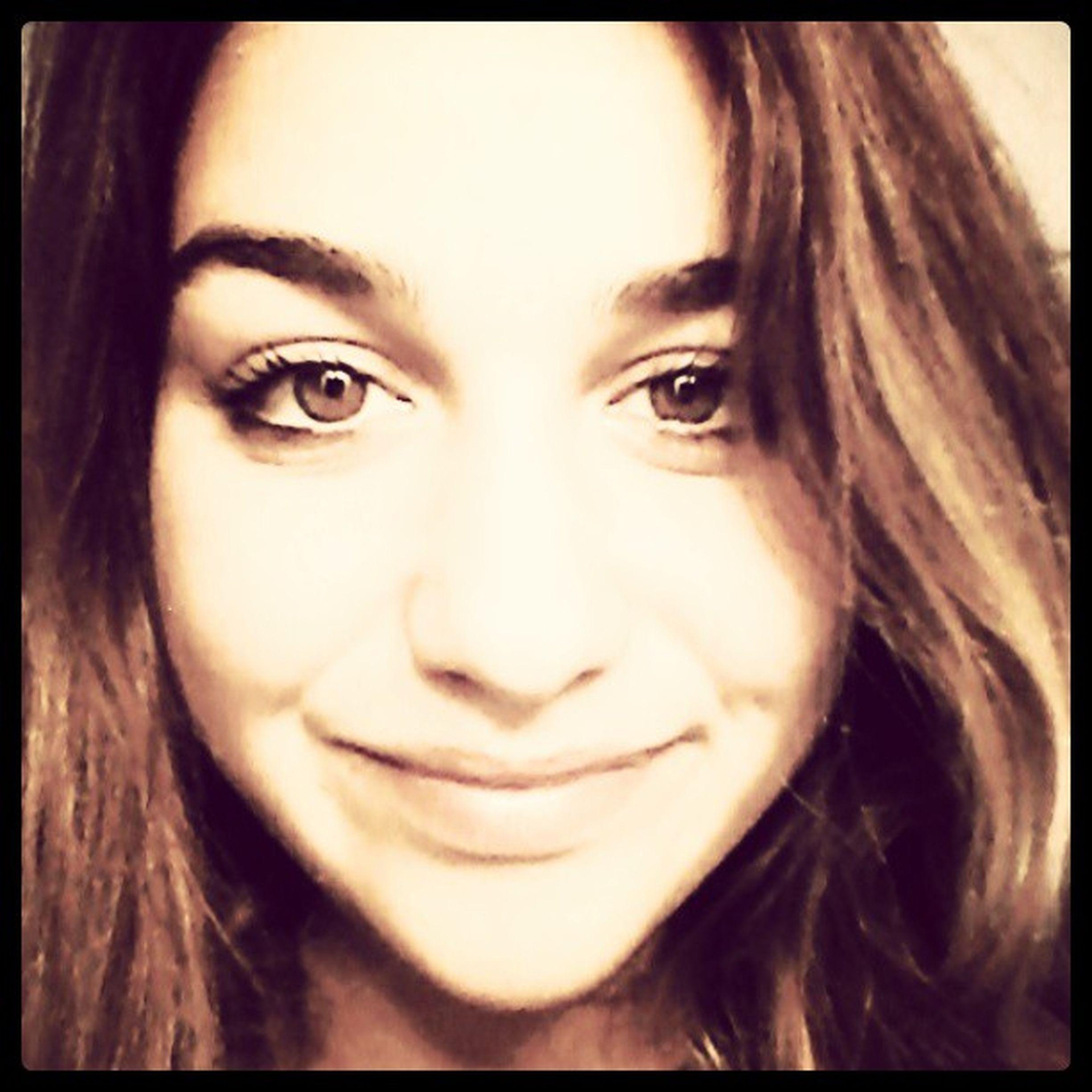 Sei bellissima capito? E adesso tieni questo sorriso per tutto il giorno. Consigli Migliori GraziE Luca tieniilsorrisopertuttoilgiorno