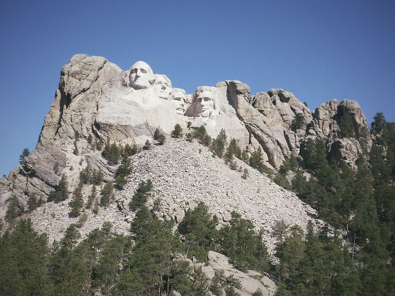 Happy Independence Day! RoadTripxUSA Mtrushmore South Dakota