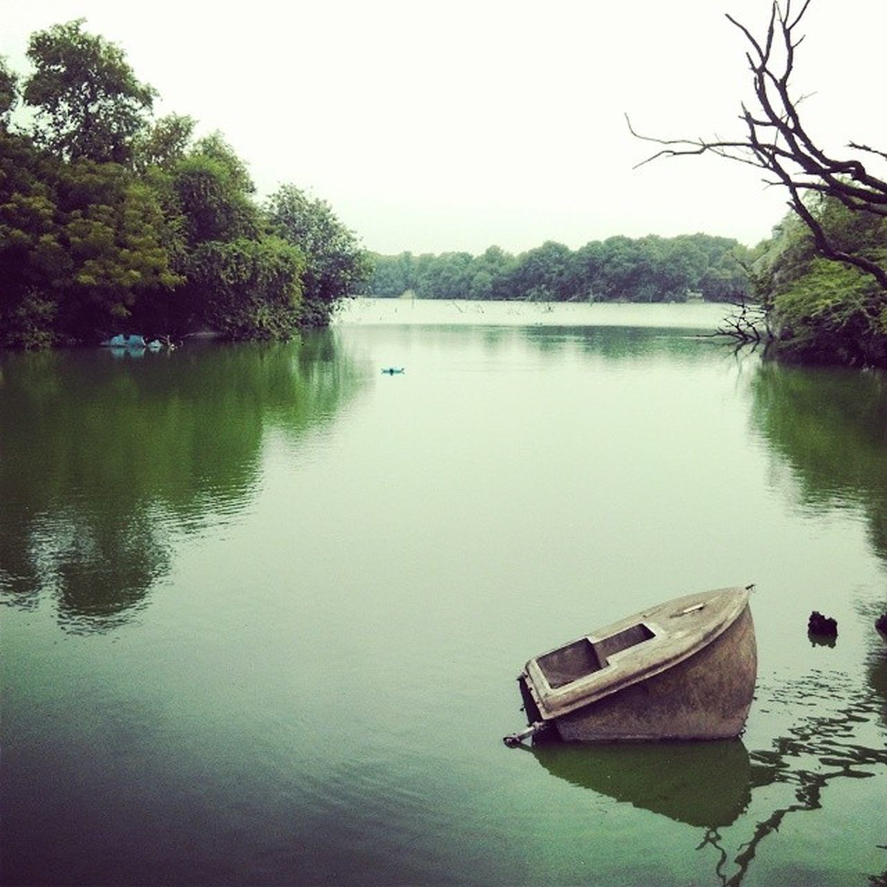Hauzkhas Village Sirifort Lake Greens Boat
