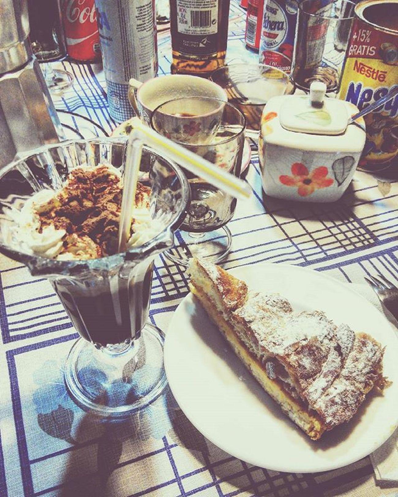 La Hora Del Cafe Jamaicano Coffe Ron Azúcar Nata Colacao Cocoa Chocolate Tarta Delicioso Delicatezen ñacñac Family Nice Cute Ibi SPAIN Domingo Frio 😚 Drink