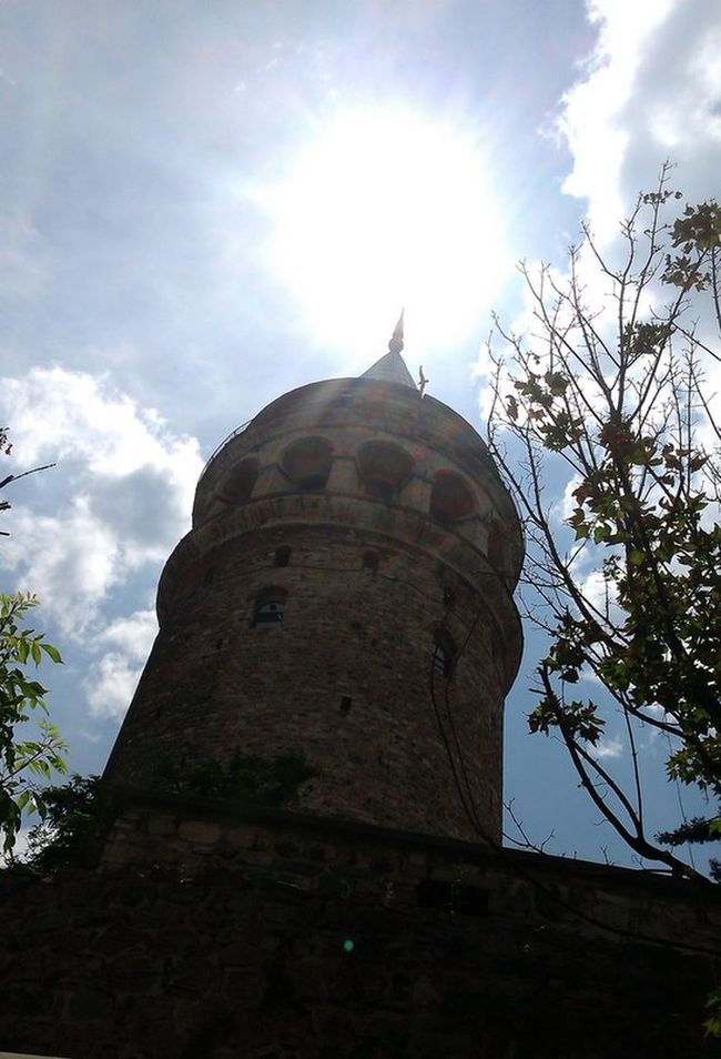 #clouds  #GALATA TOWER #istanbul #istanbul #turkiye #old #oldbuildings #sky #summer #SUN SUN SUN #sunset #sun #clouds #skylovers #sky #nature #beautifulinnature #naturalbeauty #photography #landscape #tree #Turkey