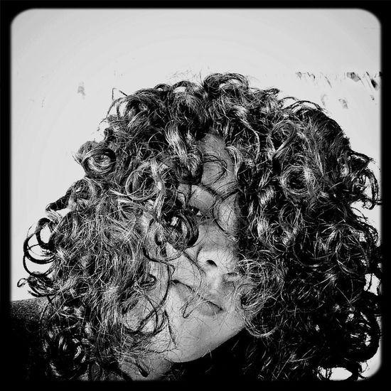 No me toquen ando china Blac&white  Chinos Curly Hair!