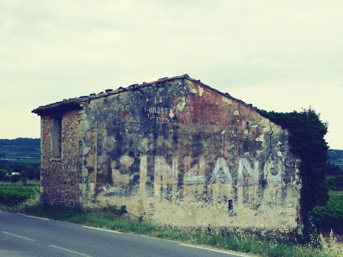 Glory of days past Vintage Vintage Signs Streetphotography Ontheroad Nostalgia CINZANO Signs Signs_collection Advertising Advertisement Texture Brittle Old Buildings Oldschool Old But Awesome Oldiesbutgoldies
