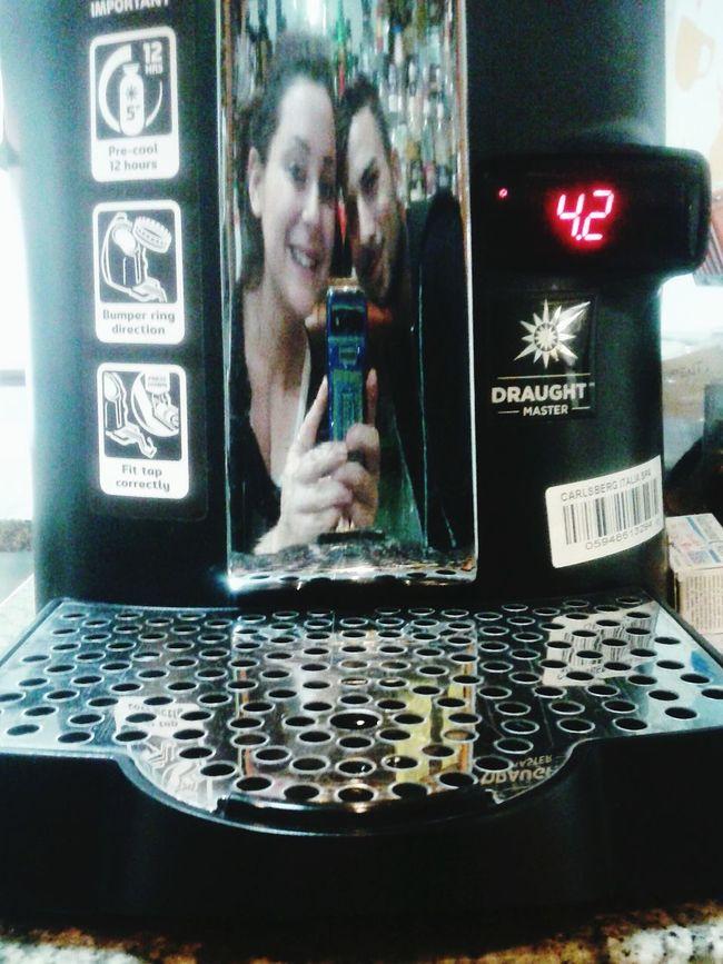 Friends at work... Porettipromoter Atwork Selfietime Hi! Mirrorselfie Taking Photos Sticazzi Barwoman Barman Goodday