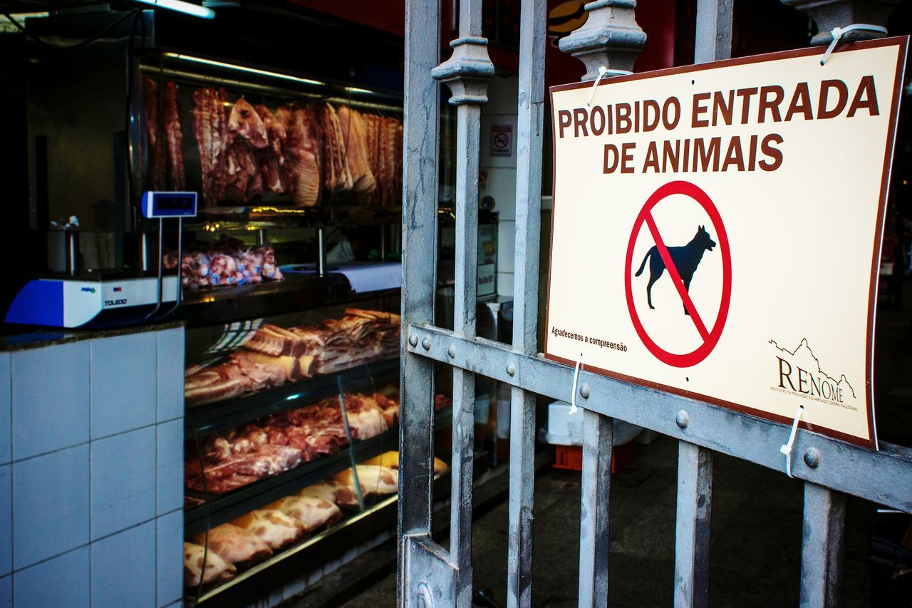 the entry of animals is prohibited. (only dead allowed) Food Porn Awards Open Edit Streetphotography Street Photography Everybodystreet Urban Lifestyle Learn & Shoot: Layering AMPt_community Shootermag SignSignEverywhereASign