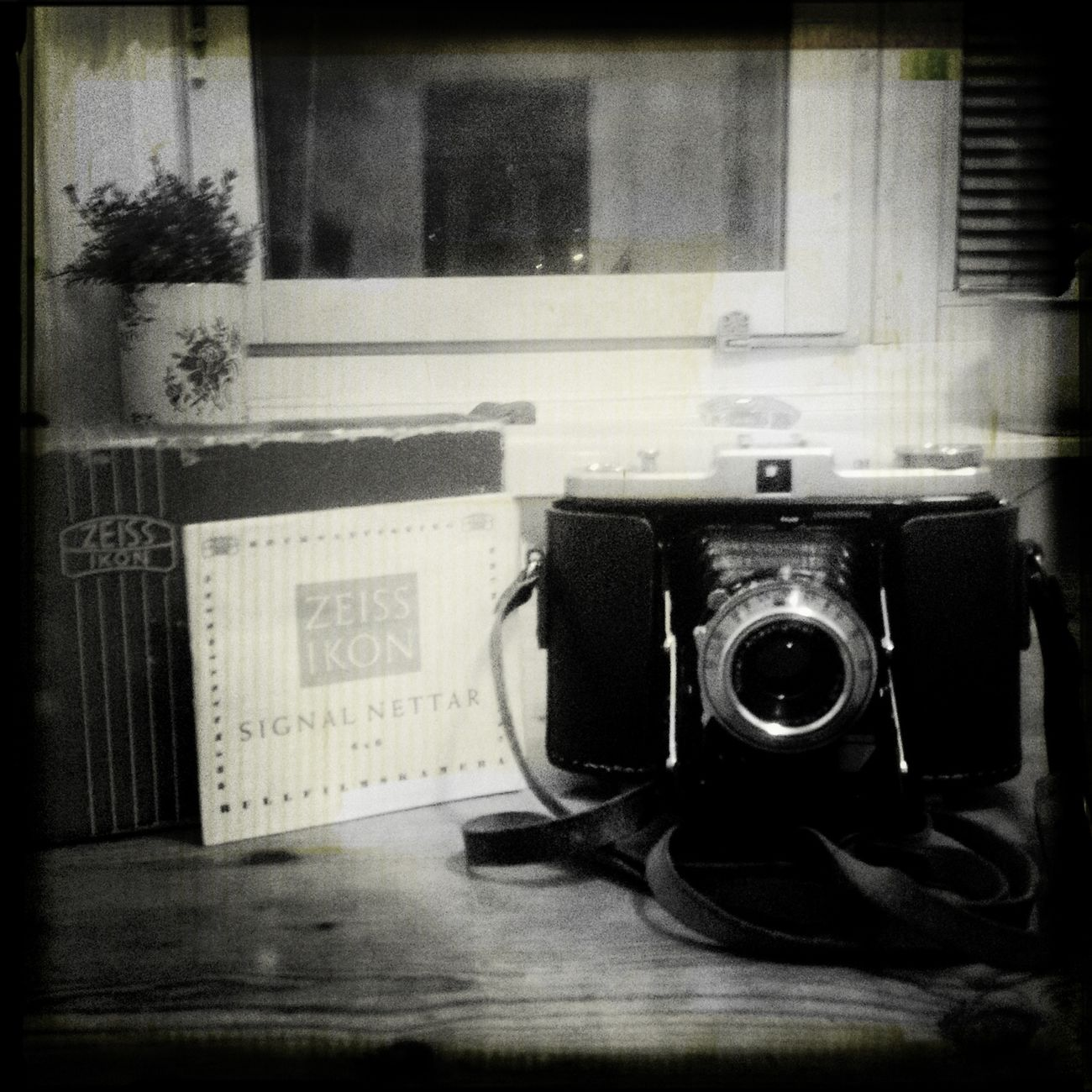 I love photography... I love the instruments.. Taking Photos Analogue Photography Film Photography Blackandwhite