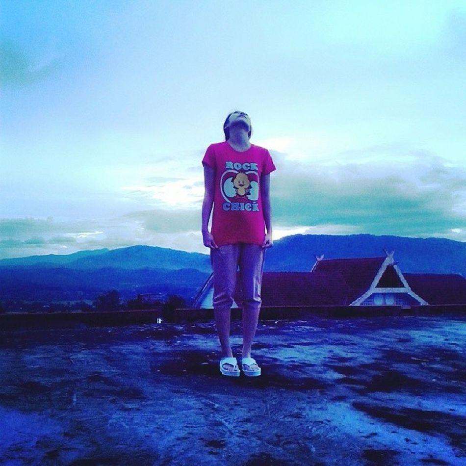 Antara budak nakal yg naik kat atas bumbung asrama.. Lalallalalaaaaa... :P Blokdahlia IPGKeningau Rockchick Sunset