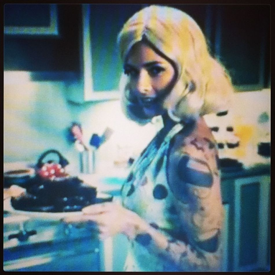 Yeah, that's hot. Yowzas Perfectwoman Baking Culinary food sweets woman igsg fotodroids android